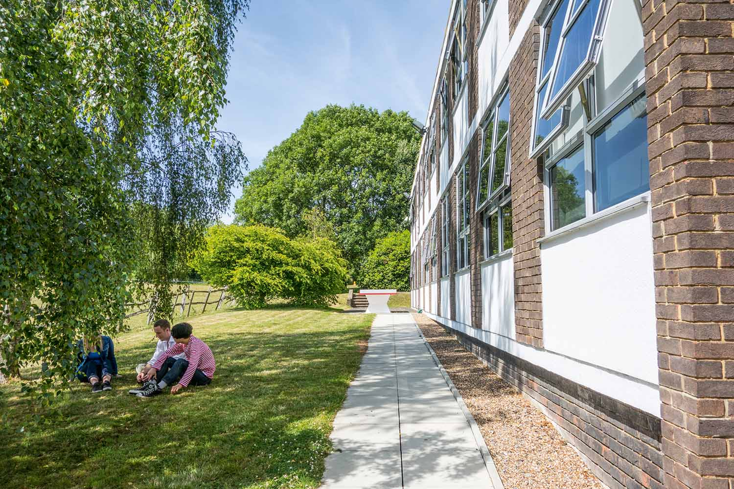London Eltham_School_Exterior_16