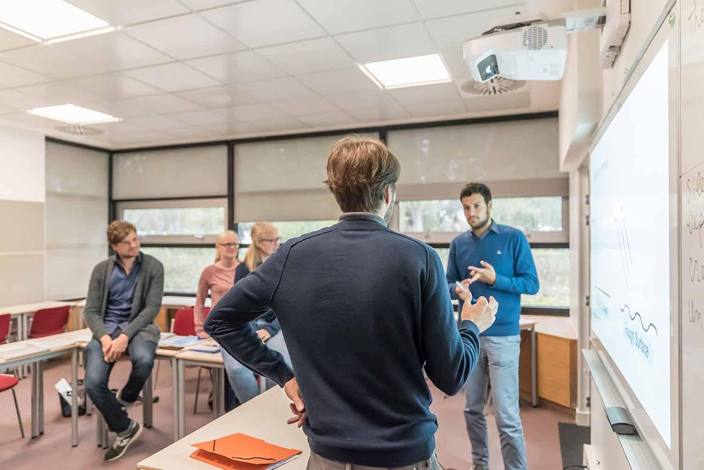 La Rochelle_School_Classroom_Students_01