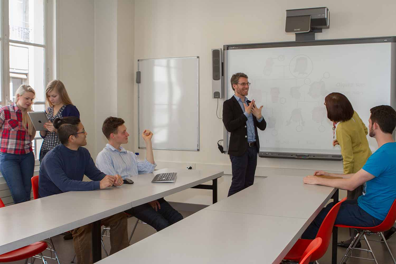 Paris_School_Class room_Students_07