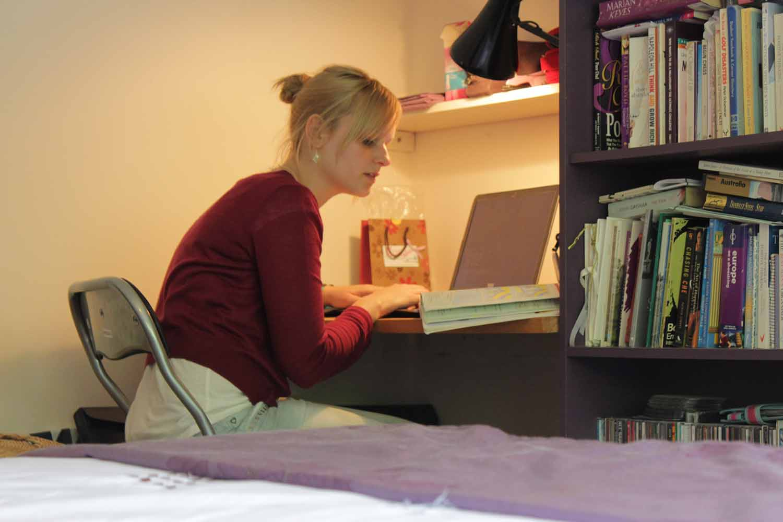 Dublin_Acc_Homestay_Bedroom_Student_02