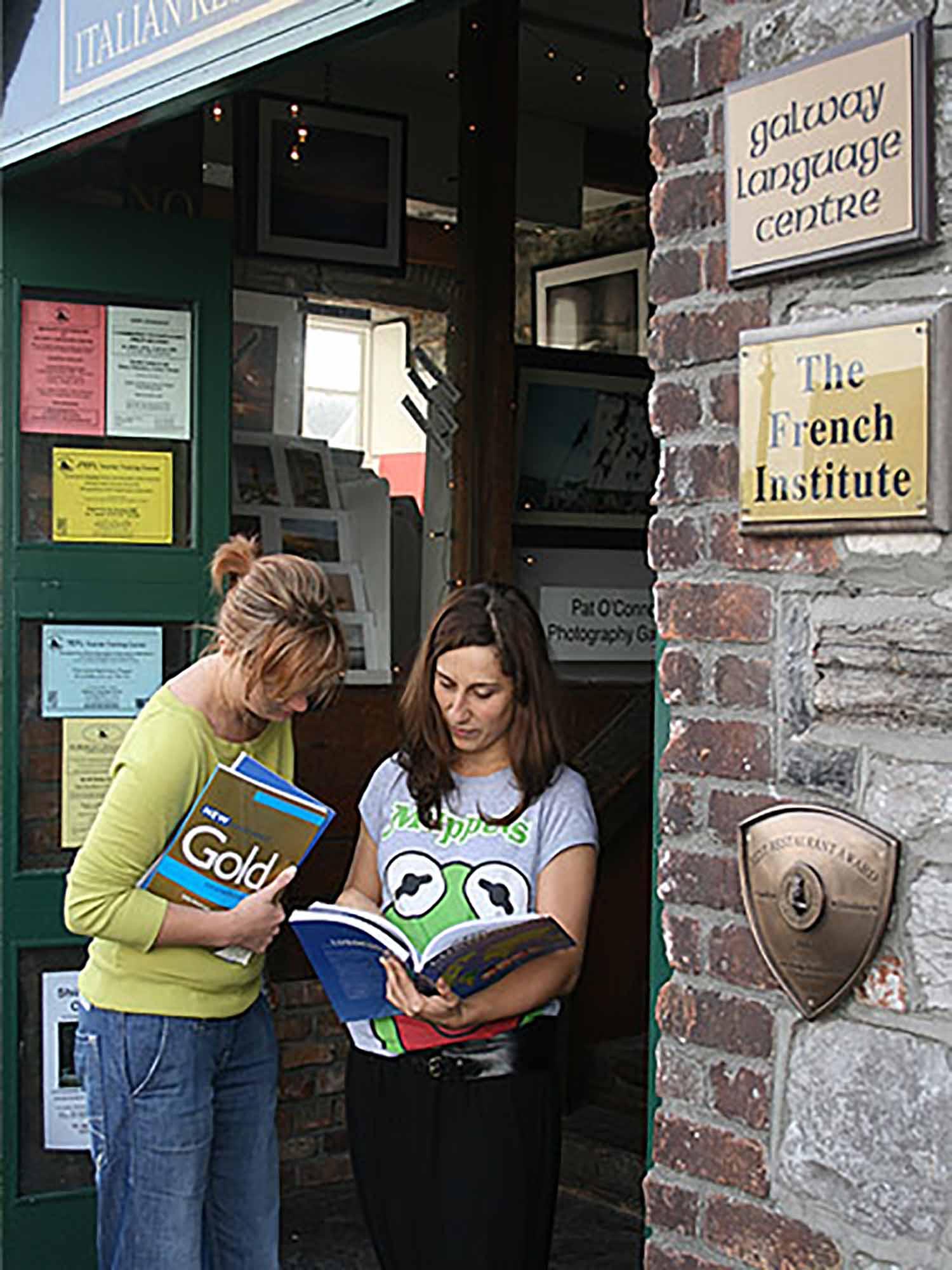 Galway_School_Exterior_02