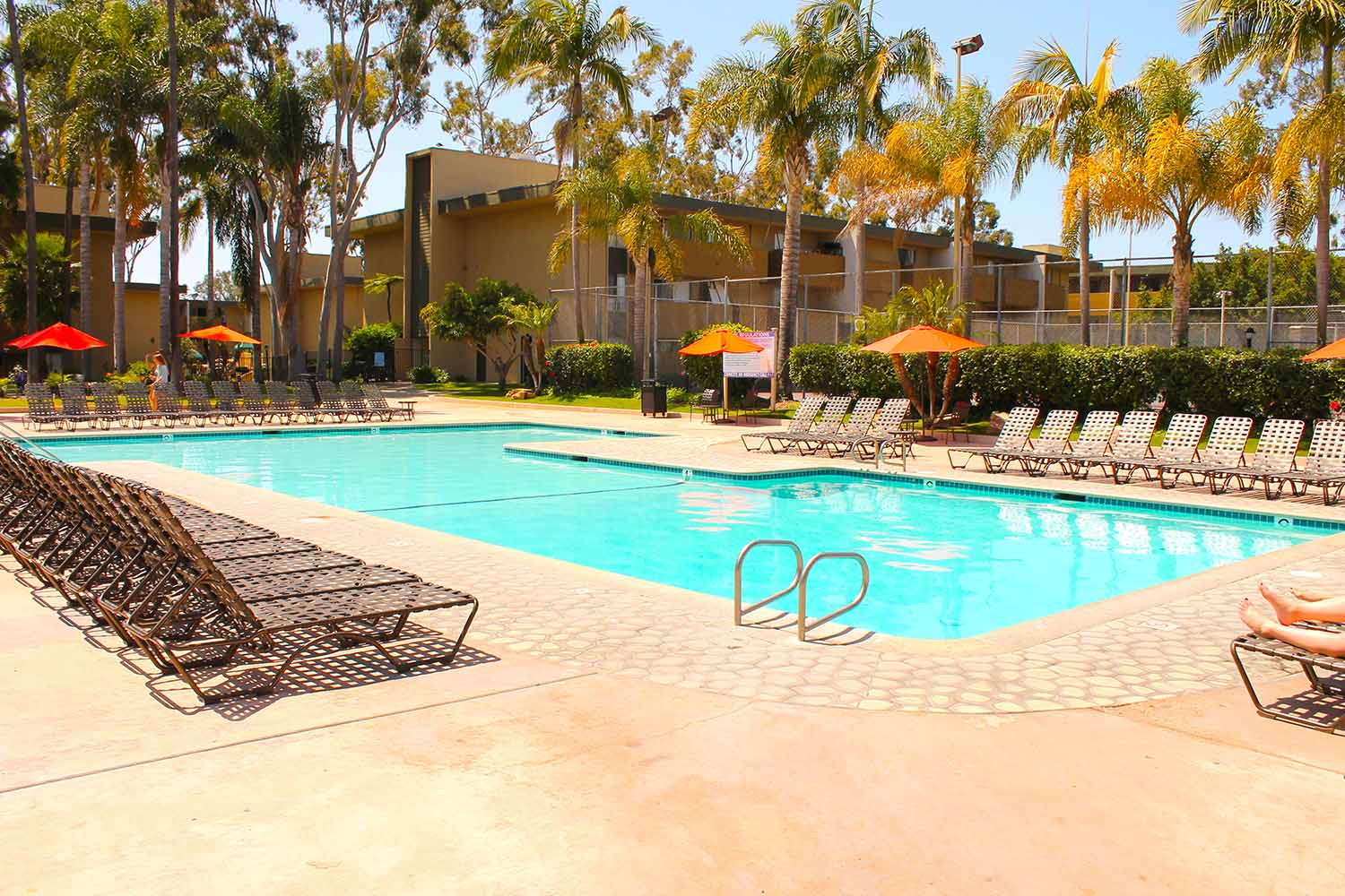 San Diego_Bay Pointe Apartments_Pool_01