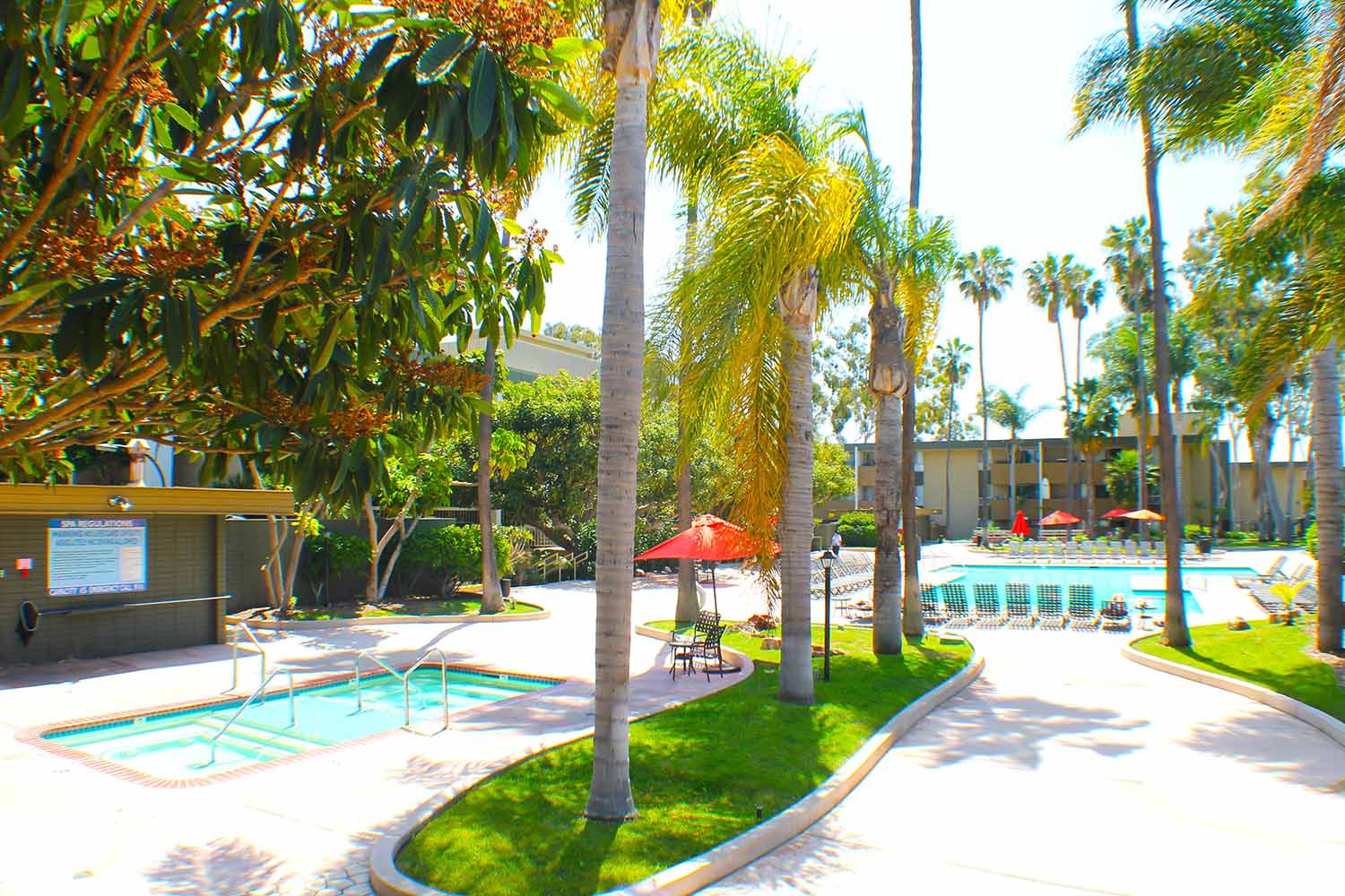 San Diego_Bay Pointe Apartments_Pool_02