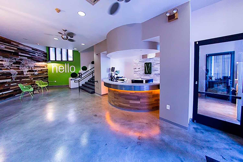 San Diego_Acc_Vantaggio Suites_Reception_03