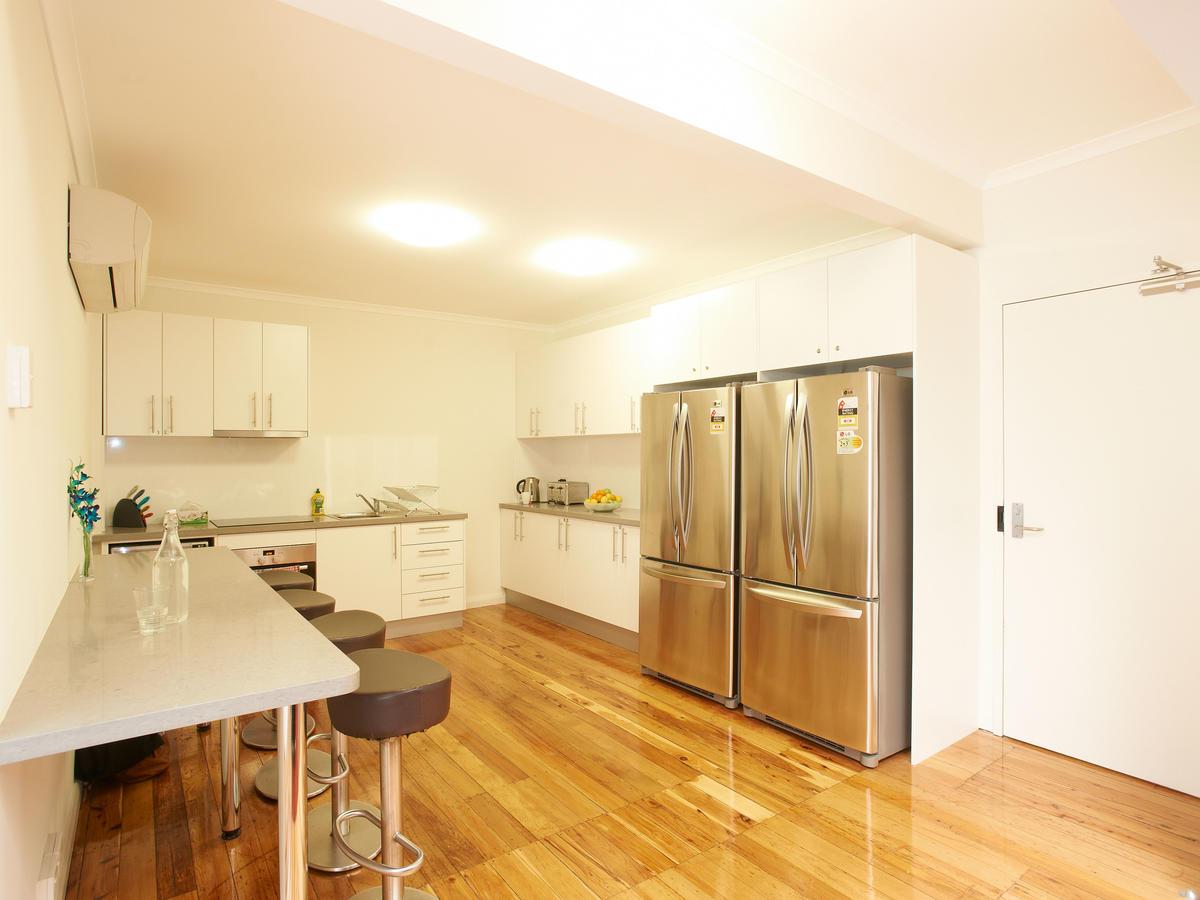 sydney_acc_link2_residence_kitchen_01