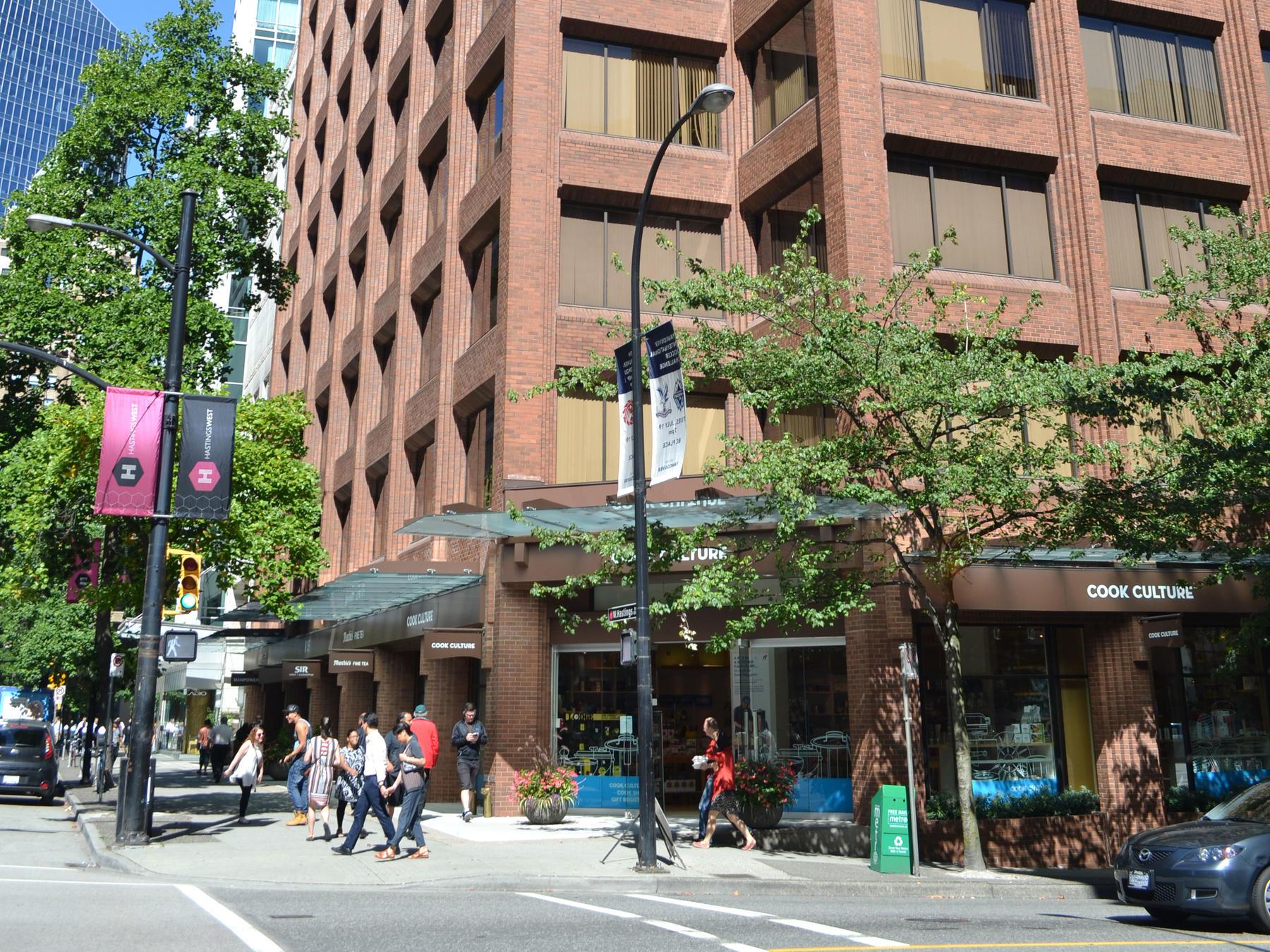 vancouver_school_exterior_01_0